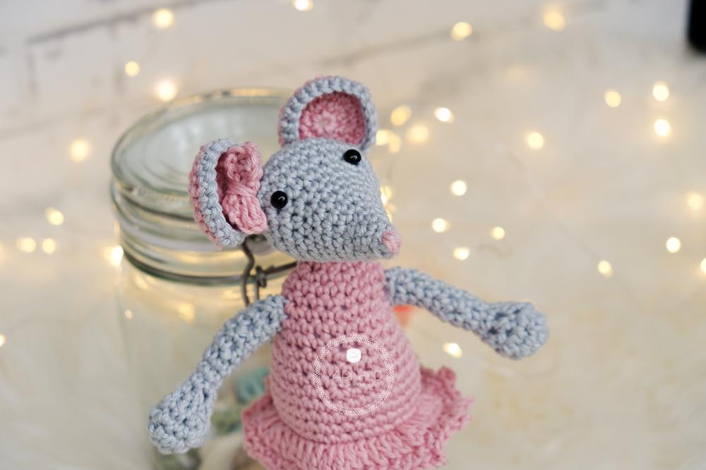 Lisa The Crochet Mouse A Free Crochet Pattern Yarnhild