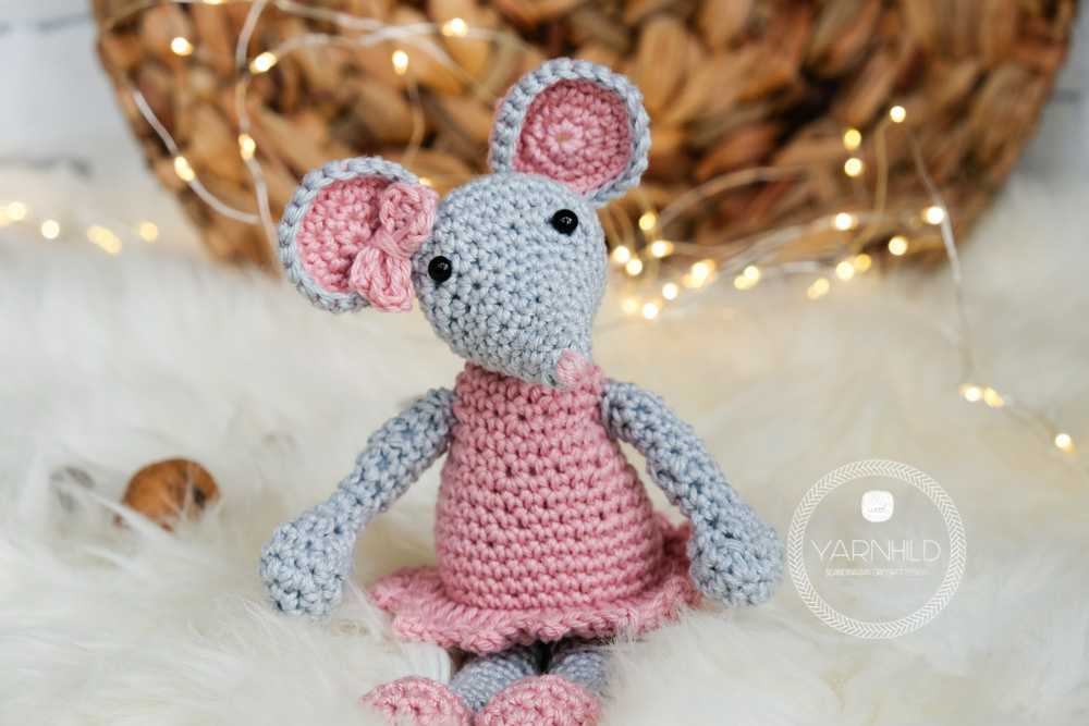 Crochet mouse couple pattern - Amigurumi Today | 667x1000
