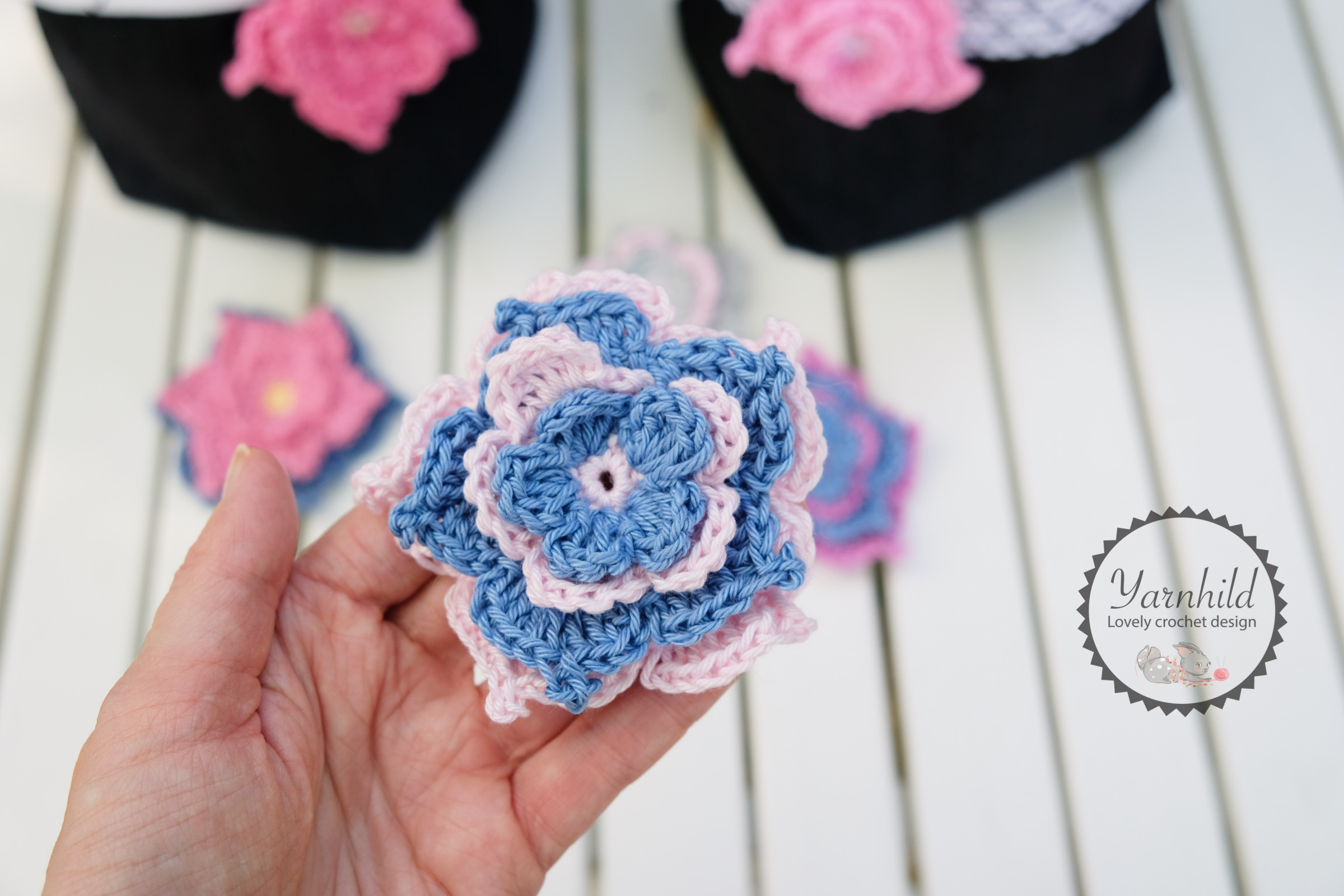The Flora Flower – Crochet flower pattern