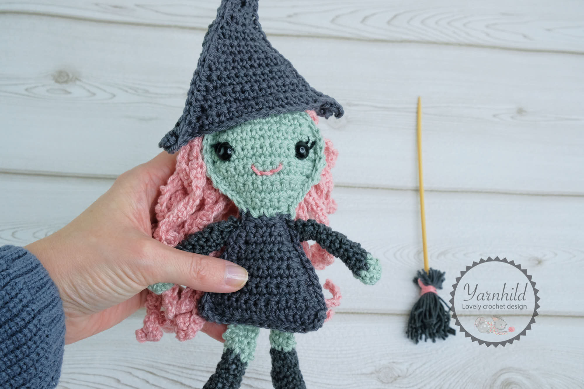 Free Crochet Amigurumi Halloween Black Cat Pattern | 1333x2000