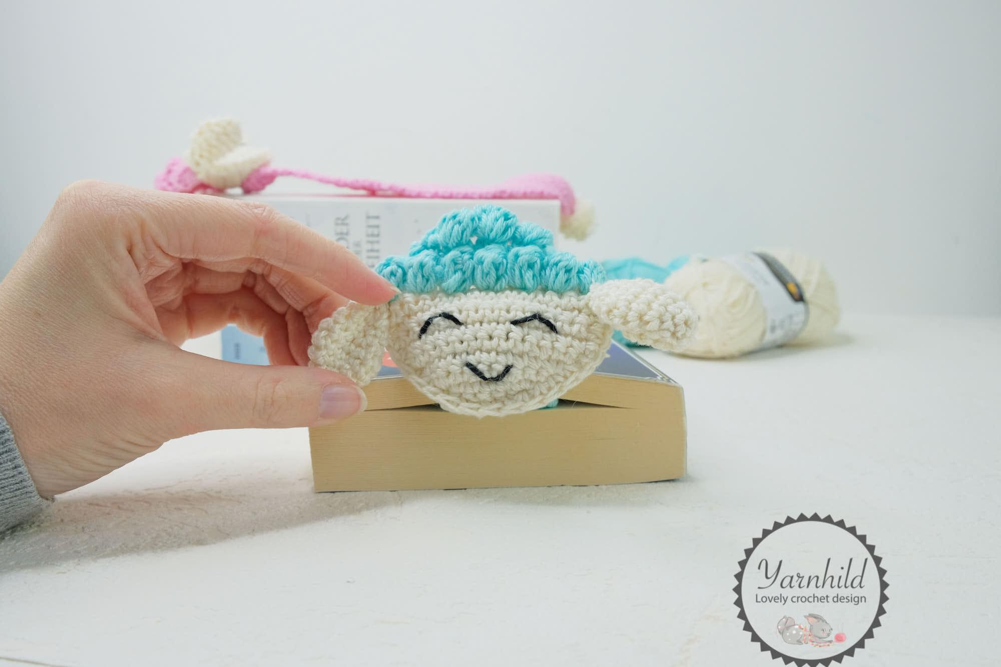 Amigurumi Crochet Frog Bookmark | 1333x2000