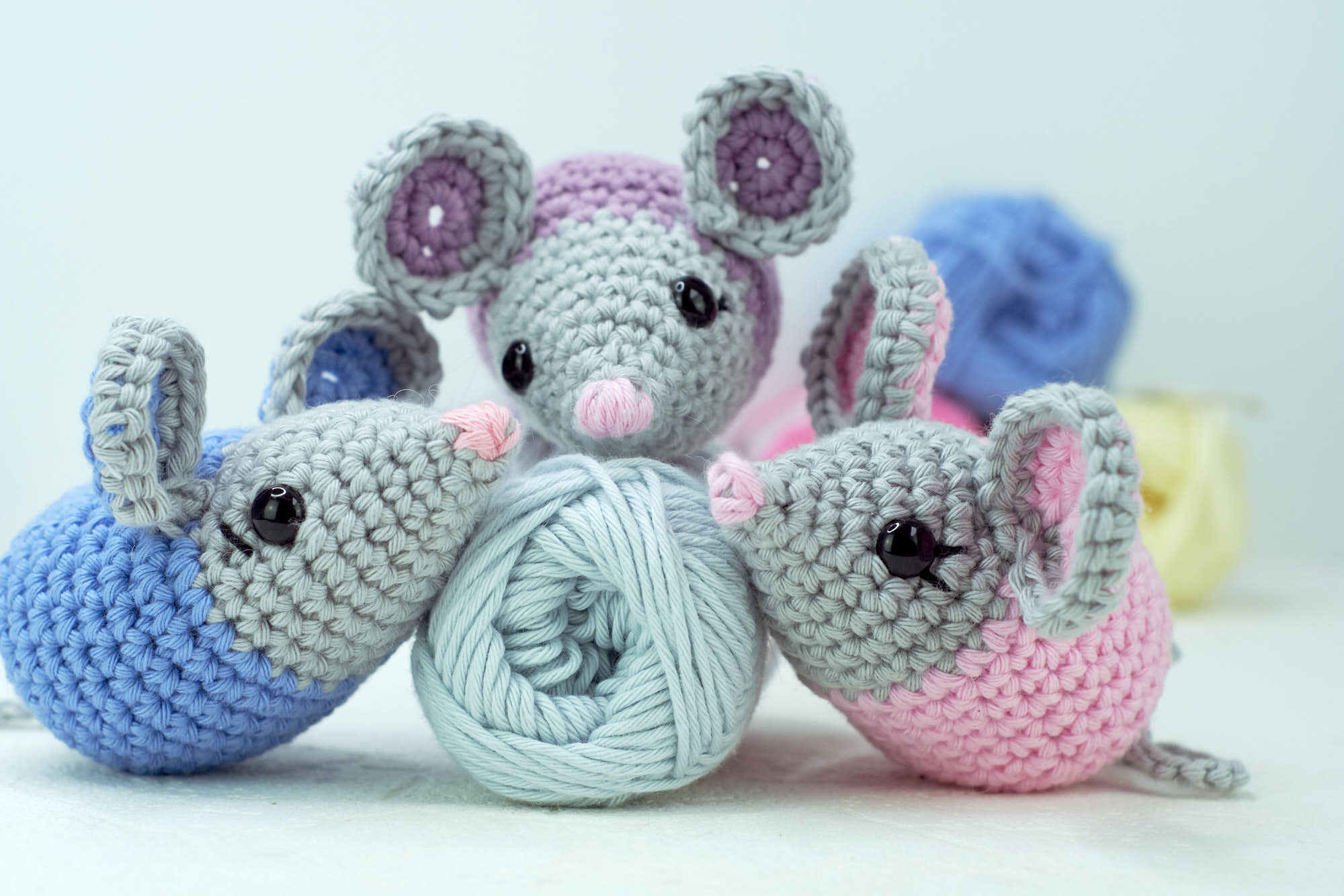 How to crochet sweet Mouse - YouTube | 1333x2000
